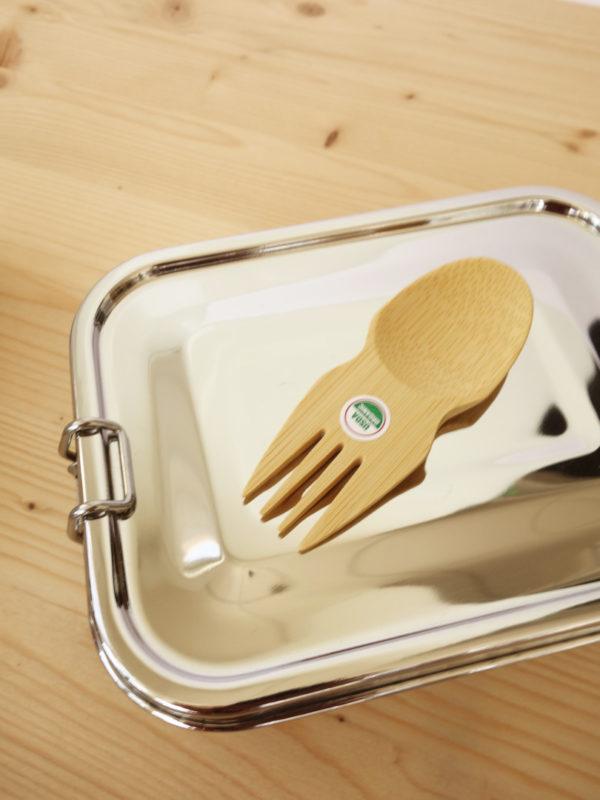 cuchara-tenedor de bambu