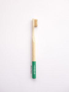 Cepillo de dientes Naturbrush verde