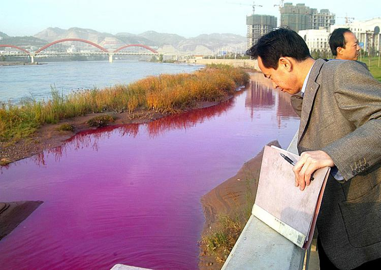 contaminacion rios industria textil china-rio-amariyo-lanzhou